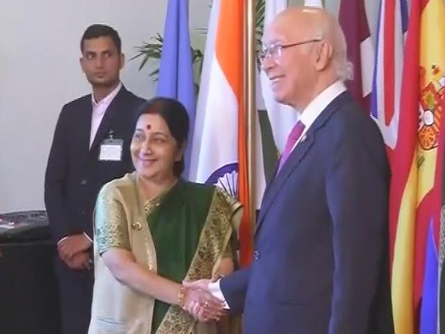 Videos : नेशनल रिपोर्टर : भारत-पाक वार्ता को तैयार, पर क्रिकेट सीरीज़ पर असमंजस बरकरार