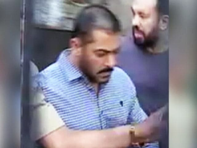Videos : इंडिया 7 बजे : सलमान खान ने किसी को नहीं मारा