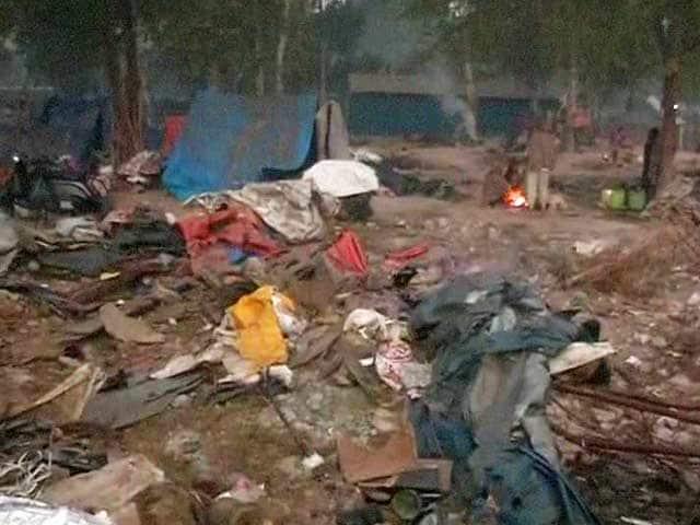 Video : Child Dies Allegedly While 500 Shanties Were Razed In Delhi