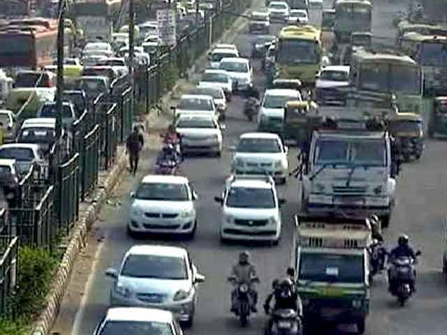 Videos : प्रदूषण पर सुप्रीम कोर्ट सख्त, 2000 सीसी की नई डीजल गाड़ियों पर रोक संभव