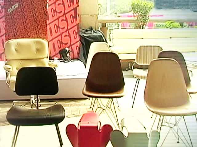 Video : Iconic Furniture by Charles and Ray Eames