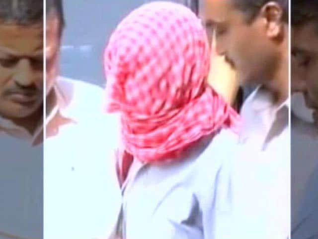 Video : Delhi Gang-Rape: Youngest Convict Free, Protesters Detained From India Gate