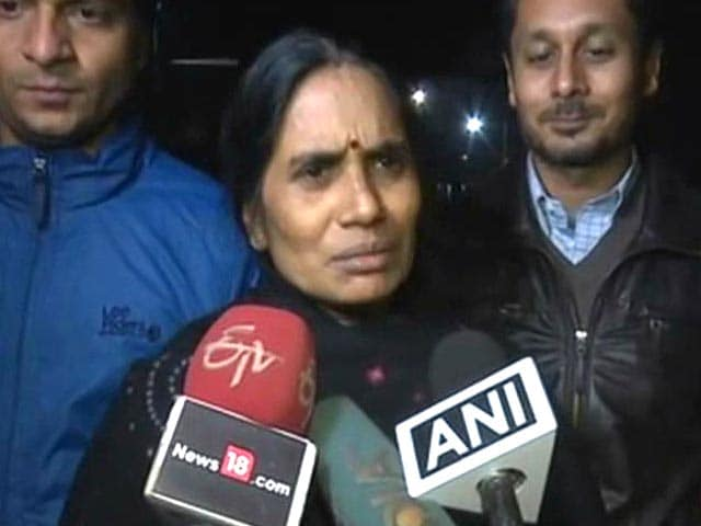 Video : Satisfied Juvenile Bill Passed: Nirbhaya's Mother