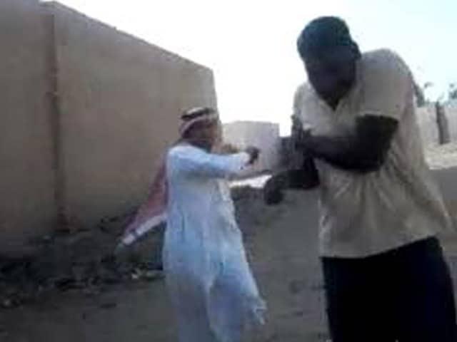 Video : सऊदी मालिक ने दौड़ा-दौड़ाकर की तीन भारतीयों की बेरहमी से पिटाई