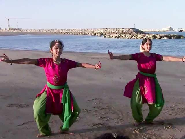 Video : <i>Bridging Worlds:</i> One Thousand and One Nights - Indian dreams under Arabian skies