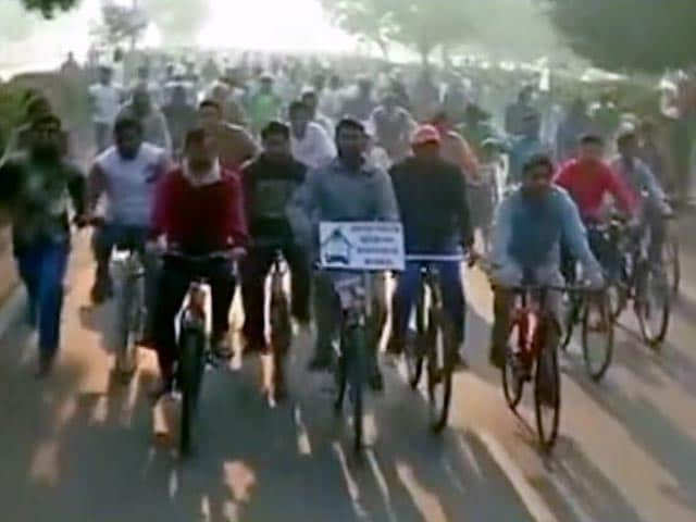 Video : Delhi Odd-Even Rule: Cycling An Alternative To Congested Buses, Metro