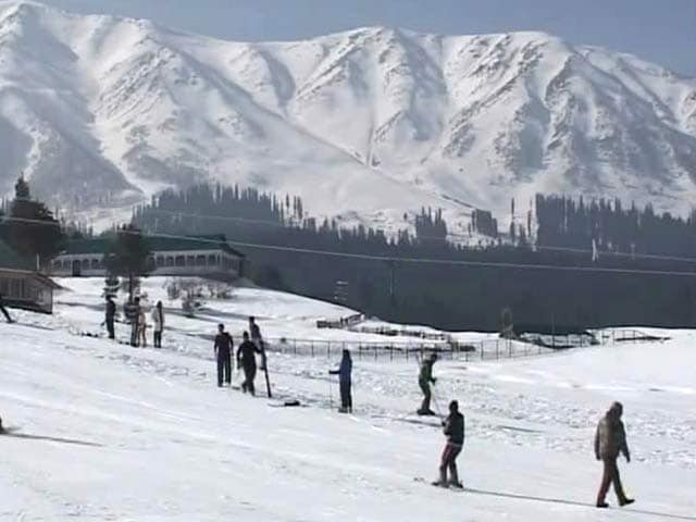 Video : A New Year Of Snow Draws Crowds To Gulmarg