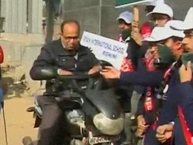 Video : In Delhi's Odd-Even Plan, Vigil By Kids Changes Minds