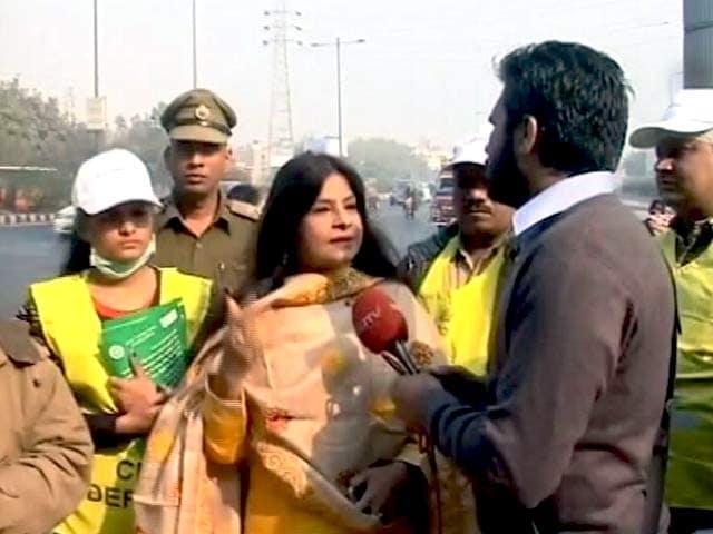 Videos : गायिका मालिनी अवस्थी ने दिल्लीवासियों से ऑड-ईवन फॉर्मूले को समर्थन देने की अपील की