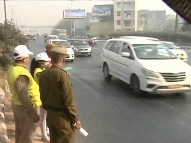 Video : Under 200 Defaulters, The Odd Ones, On Day 2 Of Car Use Restrictions