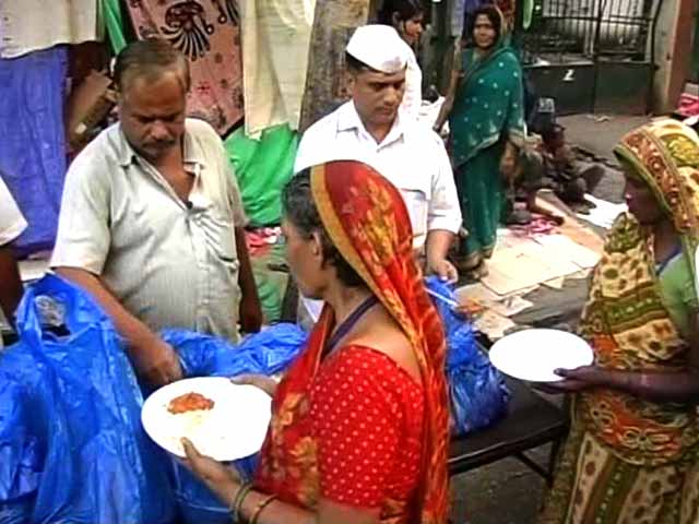Video : In Fight Against Hunger, Mumbai's Dabbawalas Come Up With 'Roti Bank'