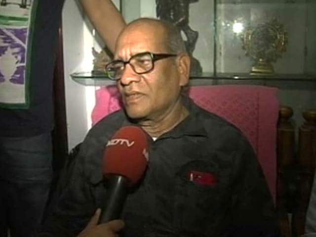 Video : Martyred NSG Officer Niranjan Kumar's Father Calls For Peace