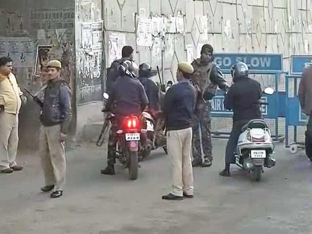 Videos : पठानकोट आतंकी हमला : सुरक्षा बलों का सर्च ऑपरेशन अब भी जारी...