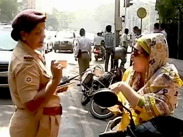 Videos : महाराष्ट्र में ट्रैफिक नियम तोड़े तो लाइसेंस होगा सस्पेंड