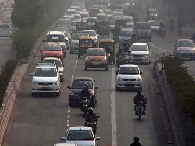 Videos : ऑड-ईवन को लेकर सख़्ती घटी? सड़कों पर दिखा ट्रैफ़िक
