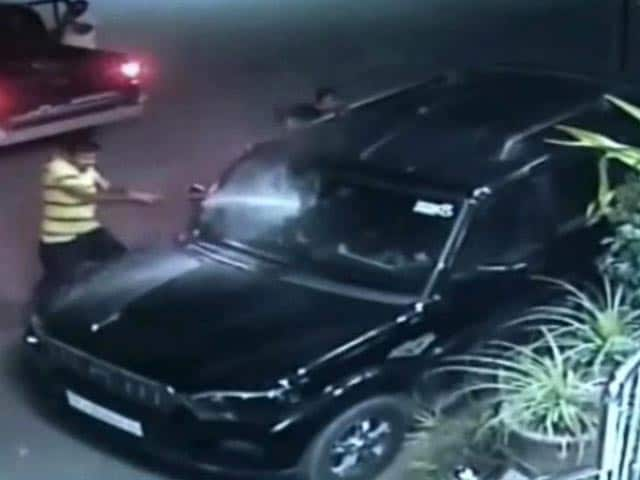 Video : Caught On CCTV: Jodhpur Gang War With Cars Smashed, Bullets Fired