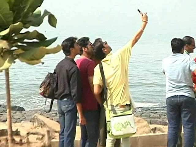 Video : Marine Drive, Chowpatty Among No-Selfie Zones For Mumbai