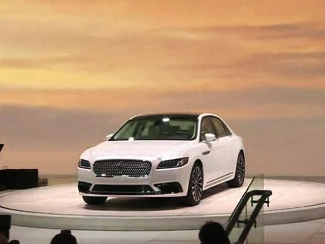 Video : Lincoln Launches Flagship Continental, Nissan's New Truck Concept