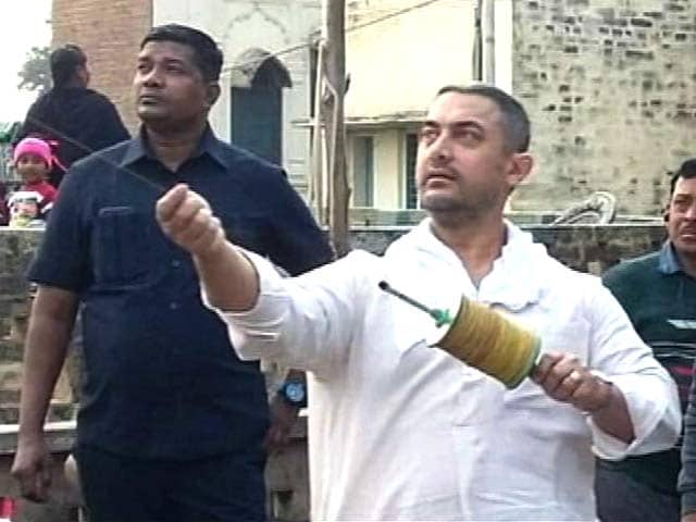 Video : Aamir Khan's  Kite-<i>Dangal</i> in Punjab