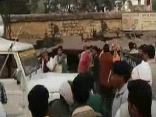 Video : Caught On Camera: BJP Lawmaker Led Mob That Attacked Activists in Rajasthan