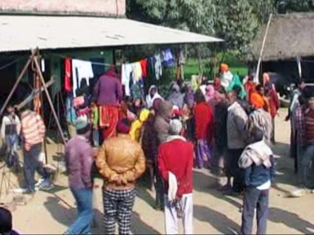 Video : यूपी के लखीमपुर में तीन बहनों का अपहरण, 50 लाख फिरौती की मांग