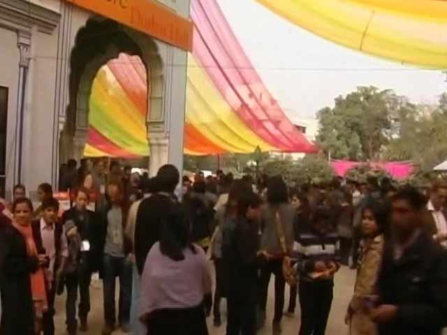 Video : जयपुर लिटरेचर फेस्ट की जगह पर सवाल