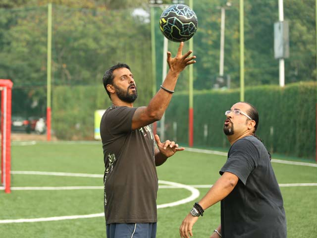 Video : Rocky and Mayur's Inspirational Journey to <i>Get Fit</i>