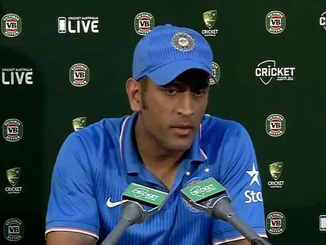 Video : Disappointed MS Dhoni Blames Himself for Canberra Heartbreak