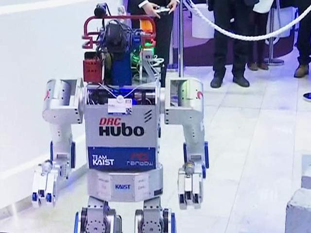 Video : Meet the First Robot to Get an ID Card at World Economic Forum