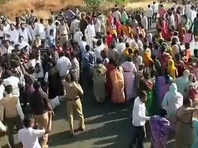 Video : बड़ी खबर : शनि मंदिर में महिलाओं के प्रवेश पर तकरार