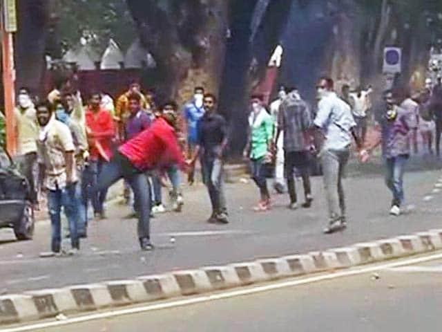 Videos : सोलर स्कैम : केरल के सीएम ओमन चांडी की मुश्किलें बढ़ीं