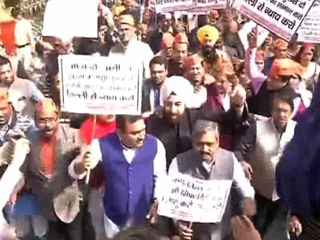 Video : AAP Government On Garbage Crisis: 'BJP Punishing People Of Delhi'