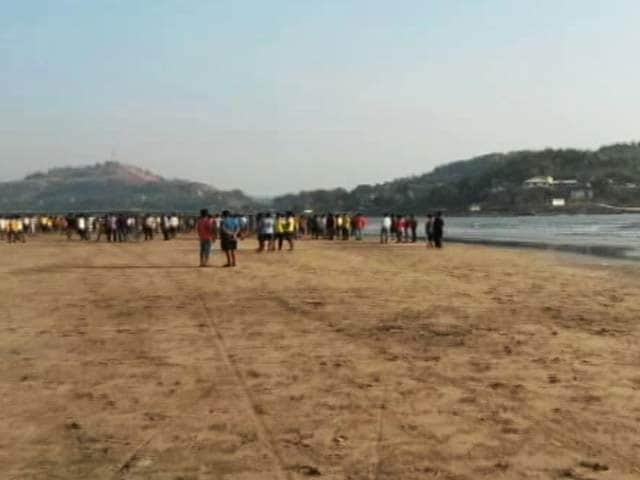 Video : इंडिया 7 बजे : महाराष्ट्र के रायगढ़ में पिकनिक मनाने गए 13 कॉलेज स्टूडेंट समंदर में डूबे