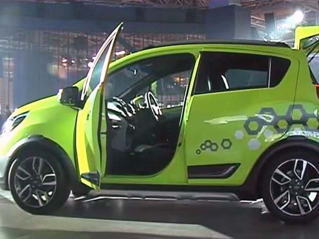 Video : Chevrolet Beat Activ Concept Unmasked at Auto Expo 2016