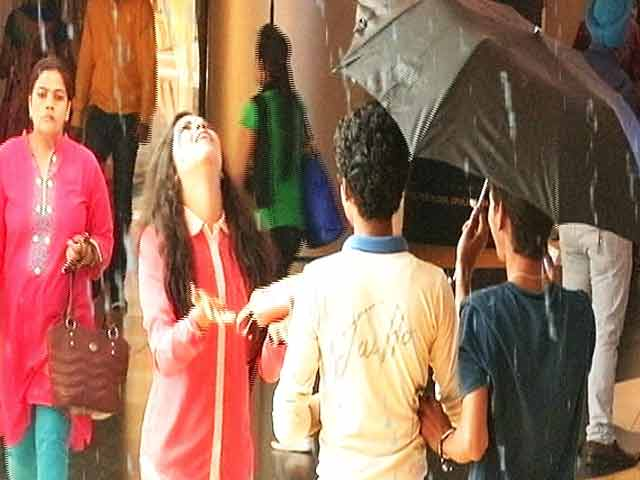 Video : Chhupa Rustam: It's Raining Cats and Dogs and Laughs