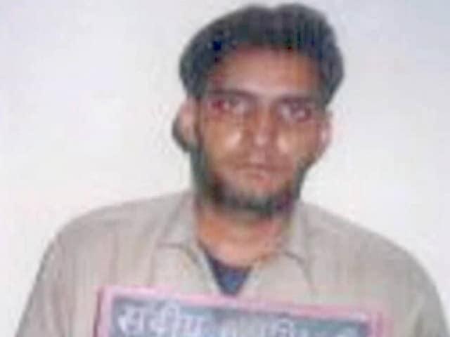 Videos : मुंबई : एनकाउंटर में मारा गया हरियाणा का कुख्यात गैंगस्टर, 3 दर्जन से ज्यादा मामले थे दर्ज