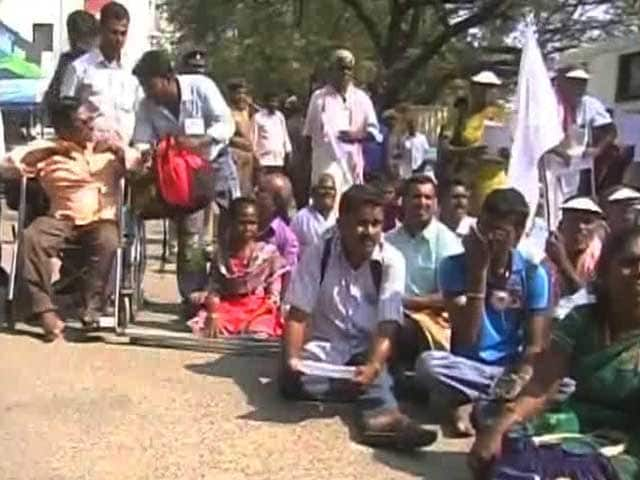 Video : In Wheelchairs, Crutches, For Rights They Stand Up