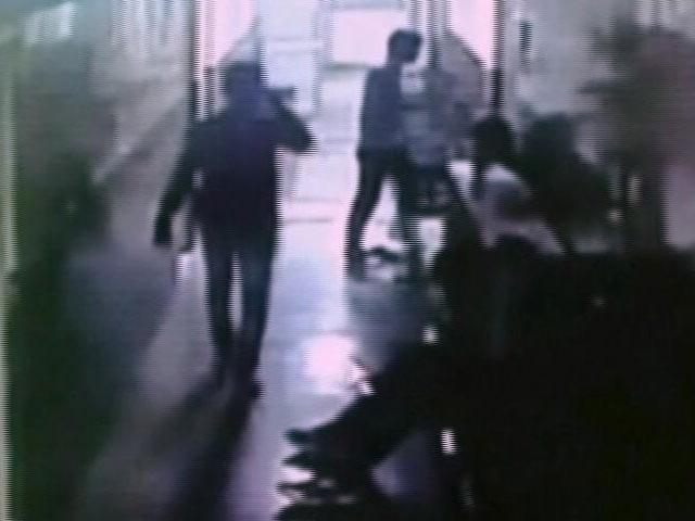 Video : बहादुरगढ़ : ICU में महिला के साथ 'बदसलूकी', CCTV में घटना कैद