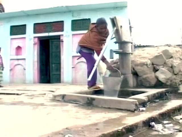 Video : बुंदेलखंड के बदहाल किसान, खेती छोड़ मजदूरी में जुटे