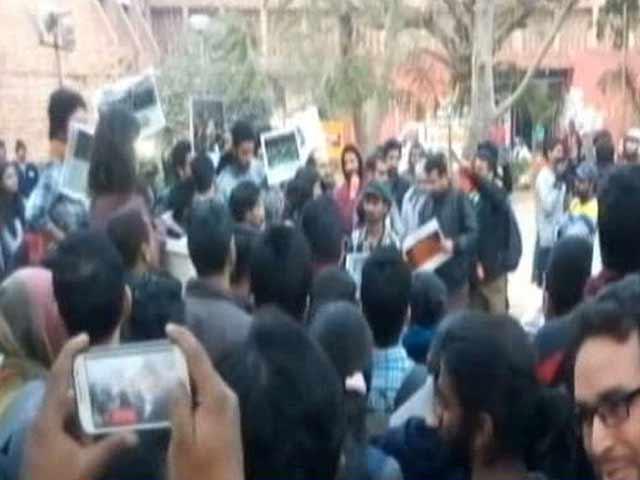 Video : 3 Policemen Were Present, But Kanhaiya Kumar Case Based On TV Footage