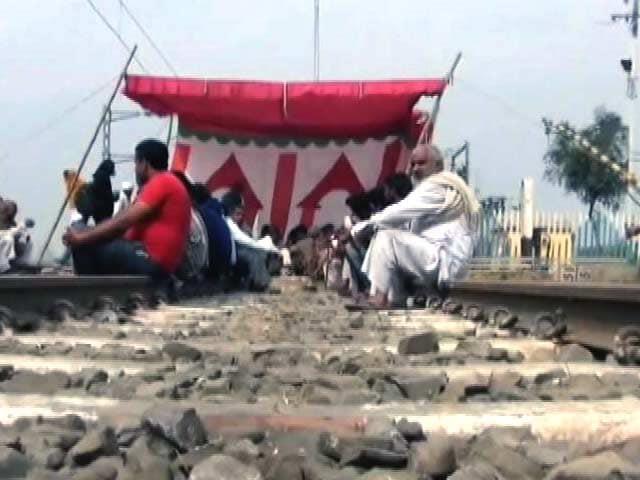 Videos : हिंसक हुआ जाट आंदोलन, कई ज़िलों में फैली आग