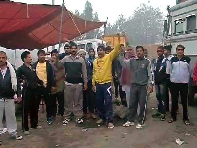 Videos : दिल्ली तक पहुंची जाट आंदोलन की आंच, नेताओं की नींद उड़ी