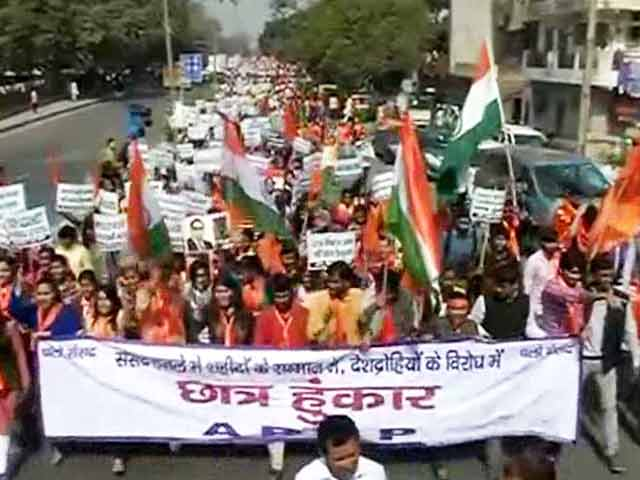 Video : Day After Students' March, ABVP's Counter Protest