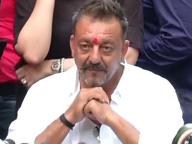 Video : Sanjay Dutt Walks Out Of Jail, Says 'I Am Not A Terrorist'