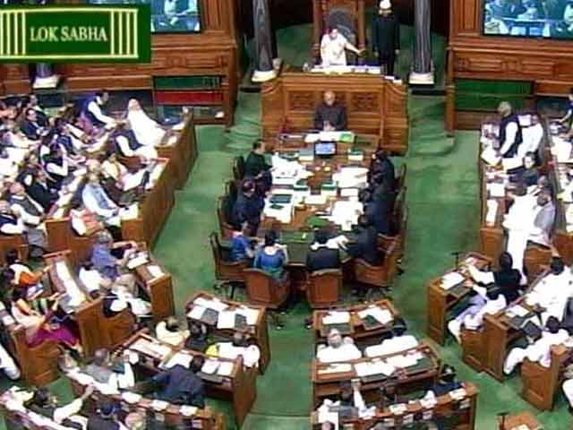 Video : When Opposition Nearly Interrupted The Budget Speech Over Smriti Irani