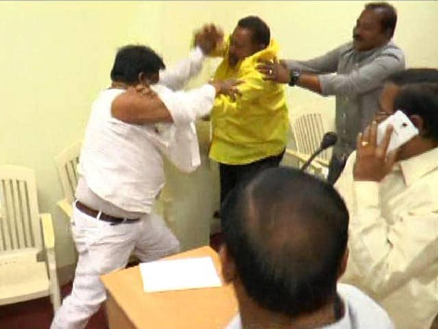 Video : TDP Councillors In Street Fight At Meeting, Clothes Torn