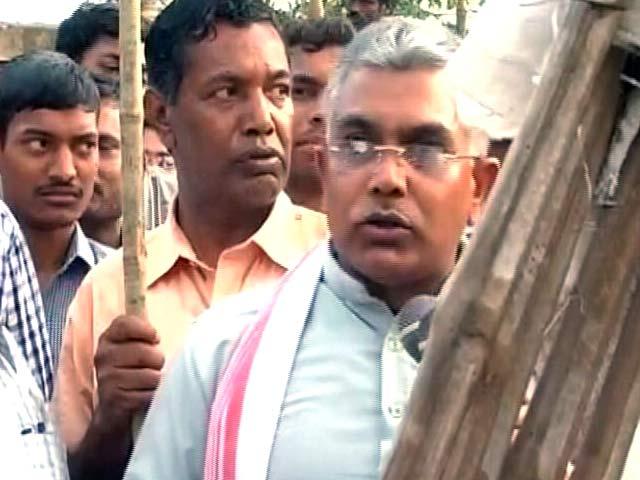 Videos : पाक जिंदाबाद के नारे लगाए तो ऊपर से छह इंच कम कर देंगे : प. बंगाल बीजेपी अध्यक्ष