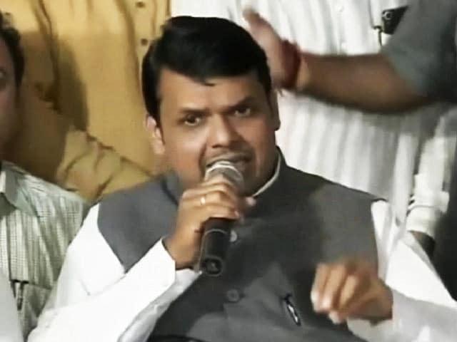 Video : Devendra Fadnavis Takes Cabinet To Maharashtra's Drought Heartland