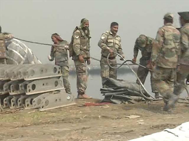 Video : Why Army's Building Bridges For Sri Sri Fest