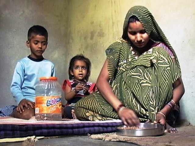 Video : सरकार एक अप्रैल से गरीबों को फ्री गैस कनेक्शन देगी